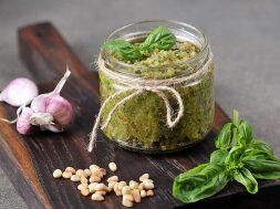 cannabis-pesto